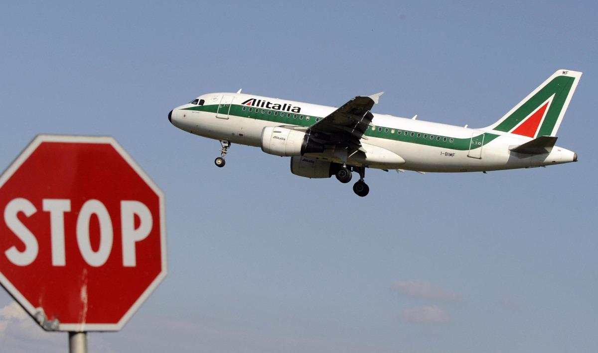 Alitalia ecco perch non conviene comprare biglietti - Comprare casa al grezzo conviene ...