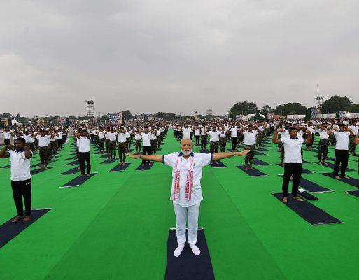 Yoga con Narendra Modi