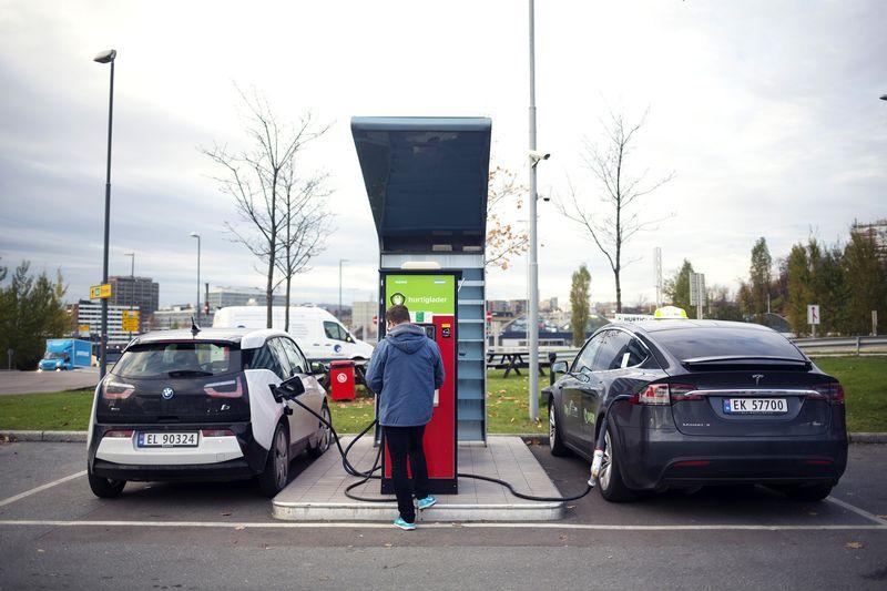 Auto Elettrica: Come Cambia La Stazione Di Servizio
