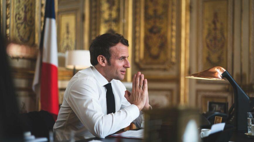 Macron Piano