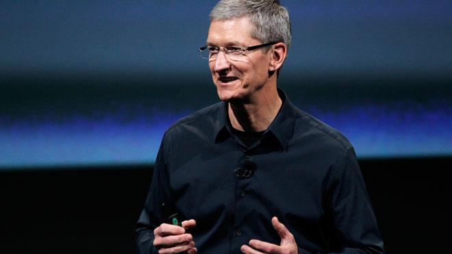 Apple-CEO-Tim-Cook-Showed-Support-at-San-Francisco-Pride