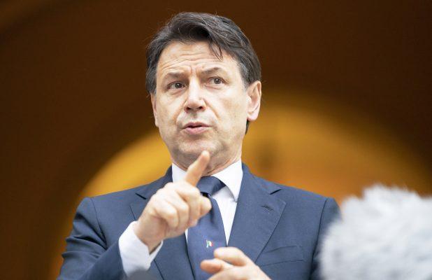 Conte Renzi governo Giuseppe Conte Semplificazione