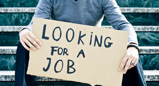 Lavoro: torna a salire la disoccupazione. Record storico per occupati a termine