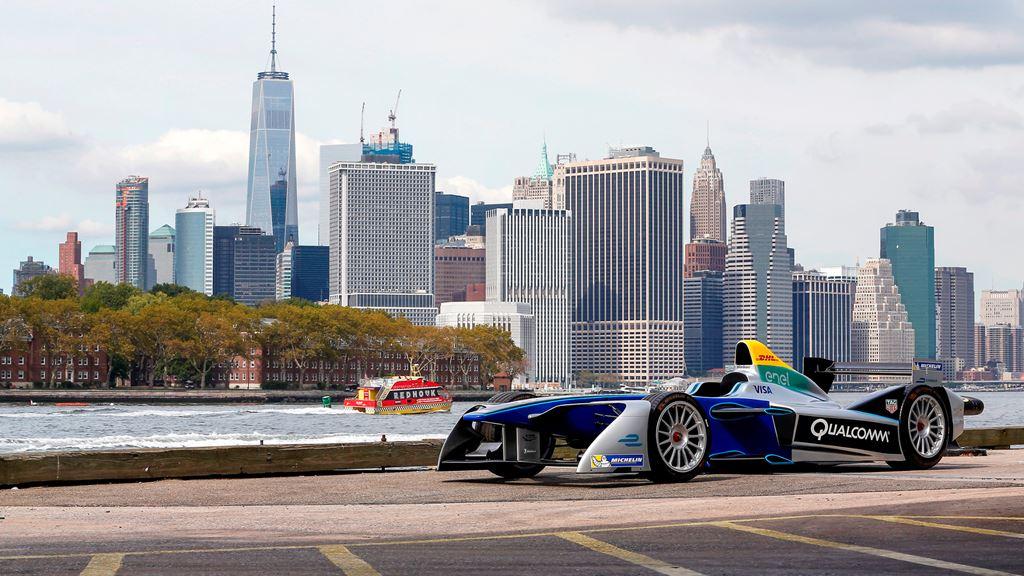 Formula E: Le Auto Elettriche Corrono A New York