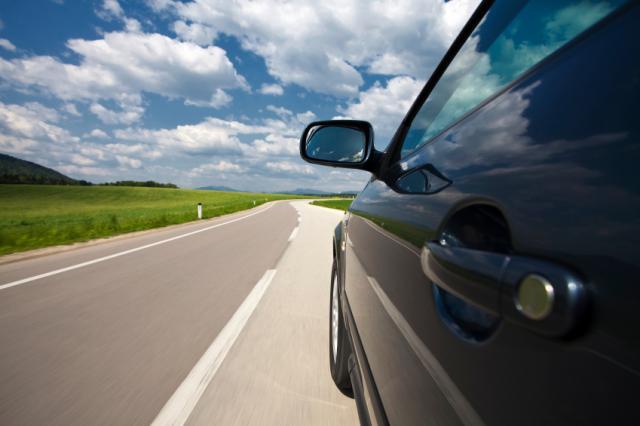 Anche La Francia Vieterà La Vendita Di Auto A Benzina E Diesel. Dal 2040