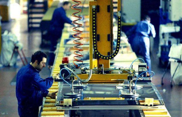 Cala la produzione industriale in Italia a febbraio