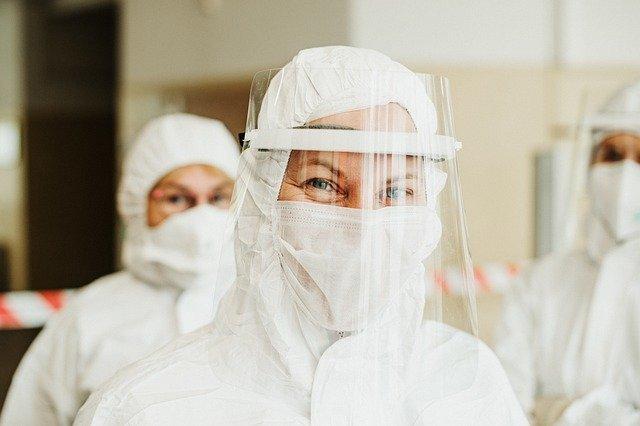 Infermiera Synairgen Covid Operatori Sanitari