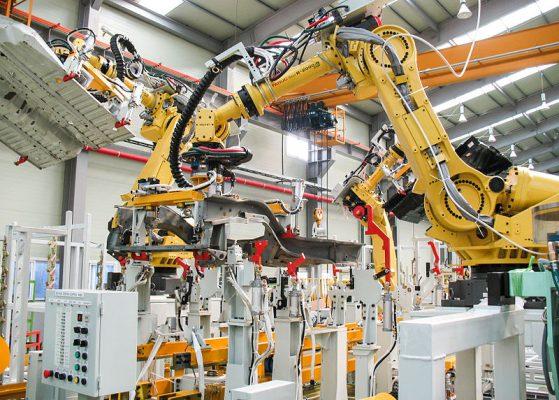 robot nelle fabbriche