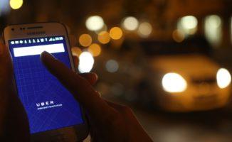Protesta Taxi Contro Uber. Pro E Contro