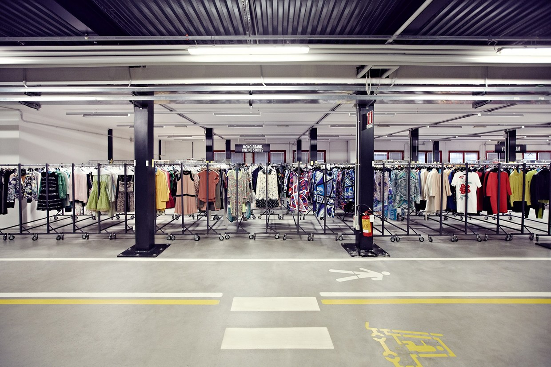 Uffici Yoox Milano : Shopping online yoox e banzai: i big italiani che sfidano i giganti